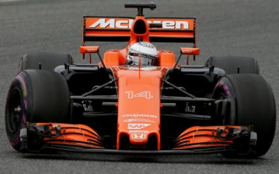 McLaren 'considering options' with Honda
