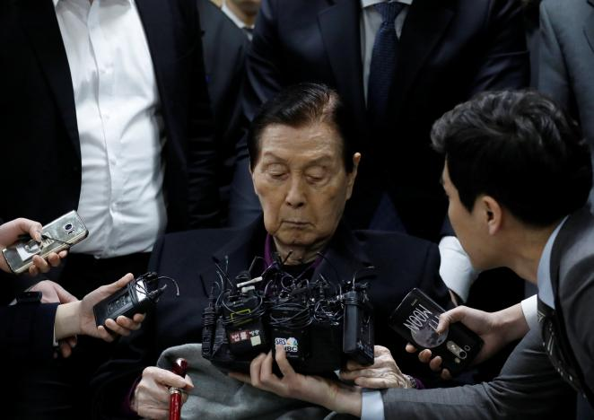 Elderly founder of South Korea's Lotte Group denies charges in dramatic start to graft trial
