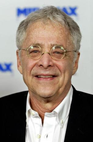 Chuck Barris, 'The Gong Show' host, dies at 87
