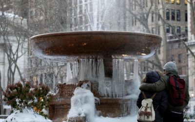 After weird winter, U.S. forecasters see warm, wet spring