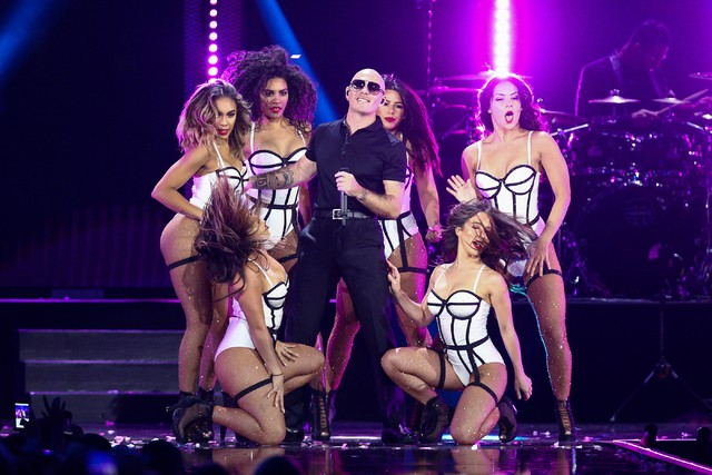 Pitbull pursuing a long-term stay in Las Vegas