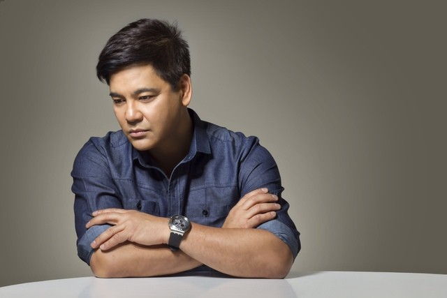 Martin Nievera lands at the Joint at the Hard Rock Hotel