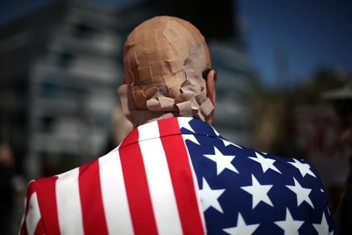 U.S. government reports decline in Obamacare individual enrollment