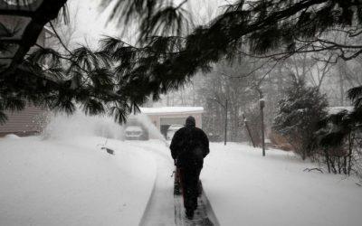 Late-season snowstorm weakens in the Northeast