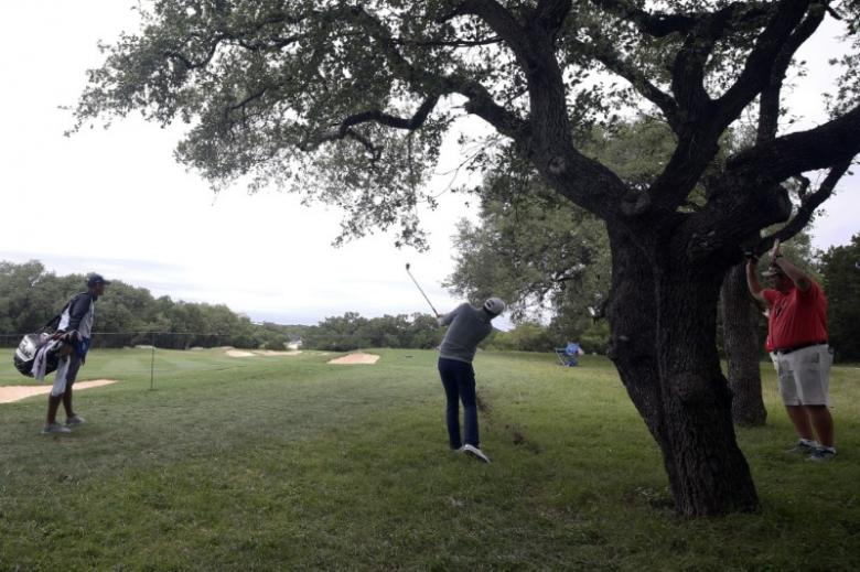 Golfers get relief from armchair judges