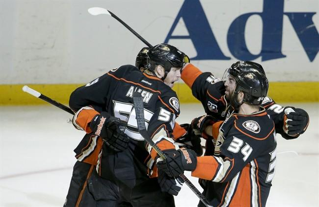 NHL Highlights: Ducks win 5th straight Pacific title