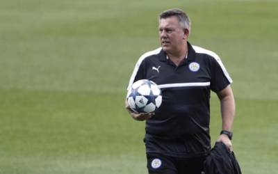Soccer: Leicester manager Shakespeare denies argument with Ranieri