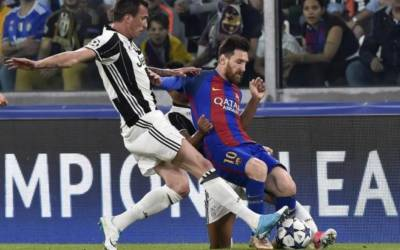 Two-goal Dybala upstages Messi as Juve thump Barcelona