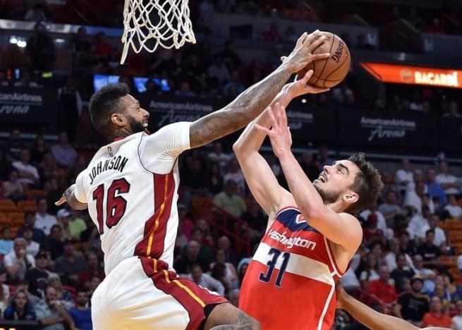 Sizzling Heat miss playoffs despite record rally
