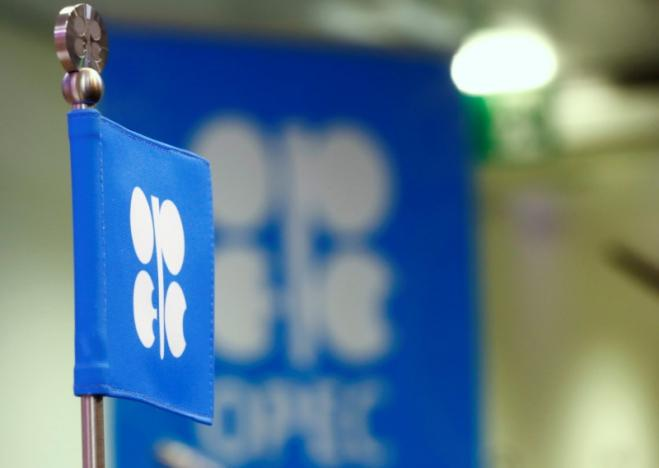 Saudi Arabia, Kuwait signal likely extension of oil supply cuts