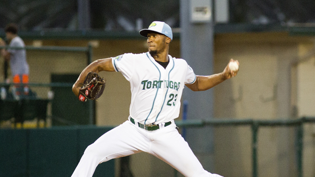 Tortugas hold off late charge, defeat Mets 5-3