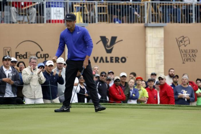Golf: Chappell survives gusty winds to lead Texas Open by one