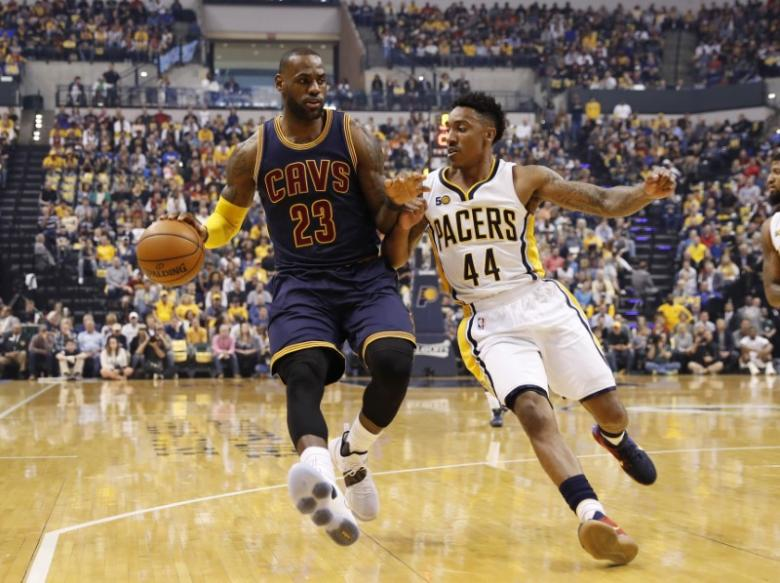 James scores 33 as Cavaliers sweep Pacers