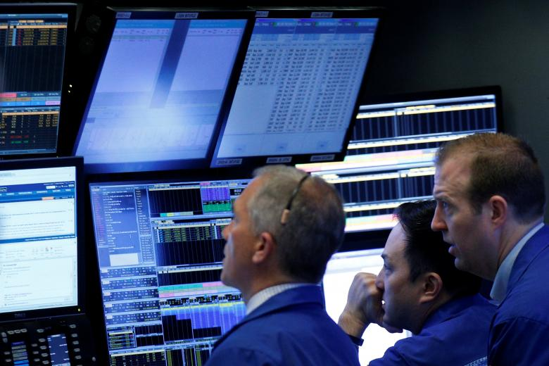 S&P 500 edges lower ahead of French election