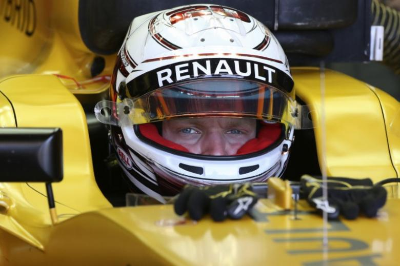 Motor racing: Magnussen fears added dangers of cockpit 'shield'