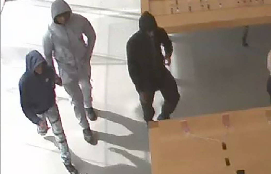 Metro asking for help identifying suspects in store thefts