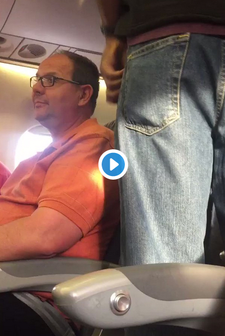 @United overbook #flight3411 and decided to force random passengers off the plane. Here's how they did it: