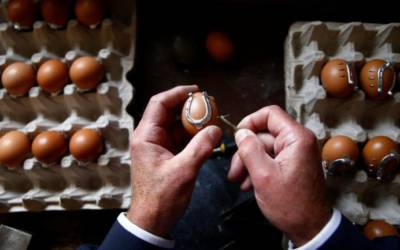No yolk! Bosnian villagers shoe eggs to keep age-old craft alive