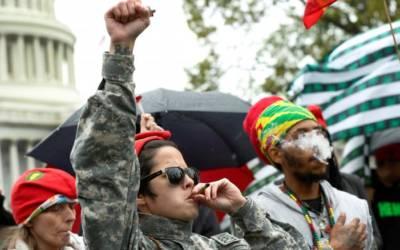 Up in Smoke: Marijuana activists cuffed after lighting up at U.S. Capitol