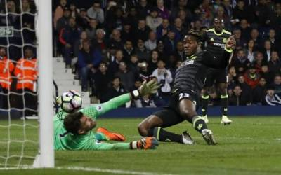 Batshuayi's late winner delivers title for Chelsea