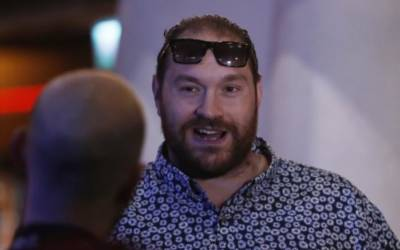 Fury's postponed hearing 'disgraceful', says promoter Warren