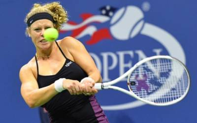 German Siegemund out for six months with torn ligament
