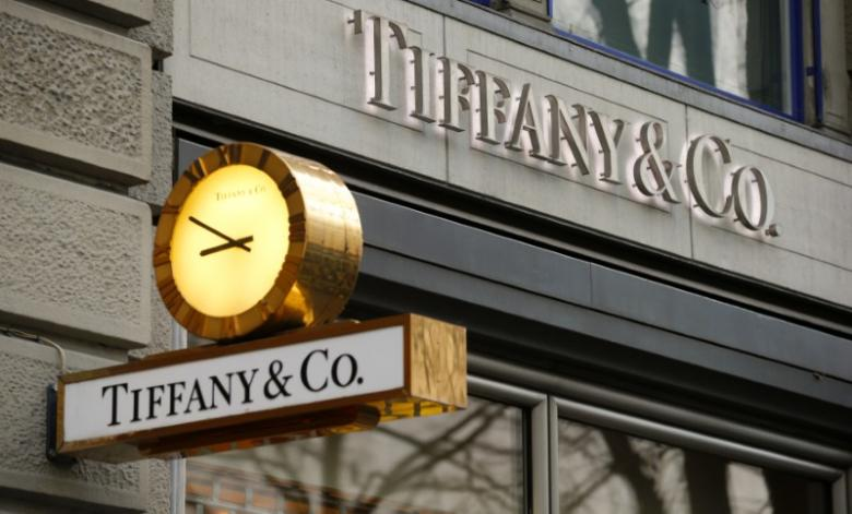 Tiffany reports surprise fall in comparable store sales