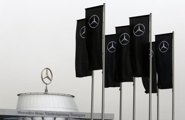 German prosecutor probing Daimler says is in touch with U.S. authorities