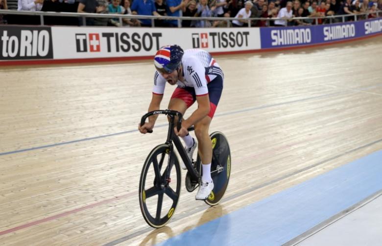 Dibben wins sixth stage in California, Bennett seizes lead