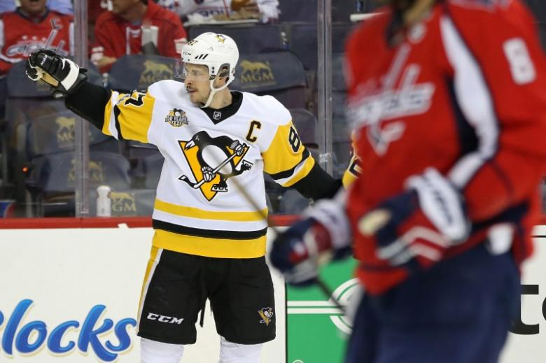 Crosby practices with Penguins, return uncertain