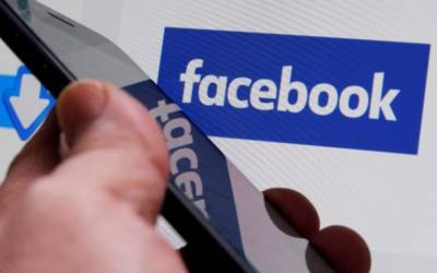 Facebook signs BuzzFeed, Vox, others for original video shows – sources