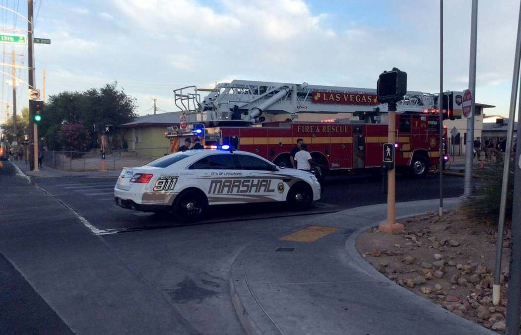 1 hurt, 10 displaced in downtown Las Vegas fire