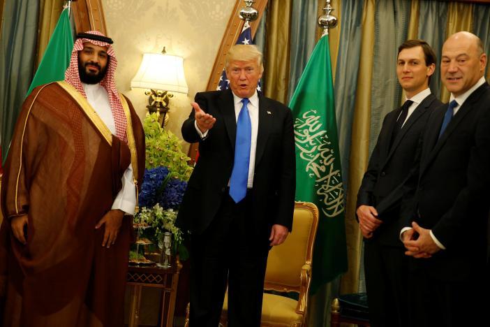 Trump targets 'crisis of Islamist extremism' in Saudi trip