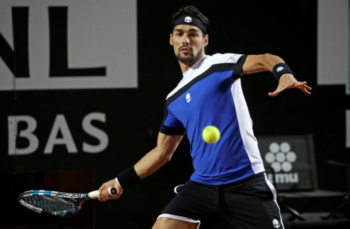 Murray thumped by Fognini, Djokovic eases through in Rome