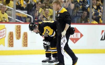 Crosby skates with Penguins team mates days after concussion