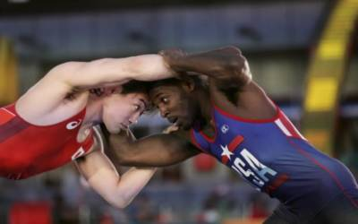 Wrestling: U.S. rout undermanned Japan team in Times Square