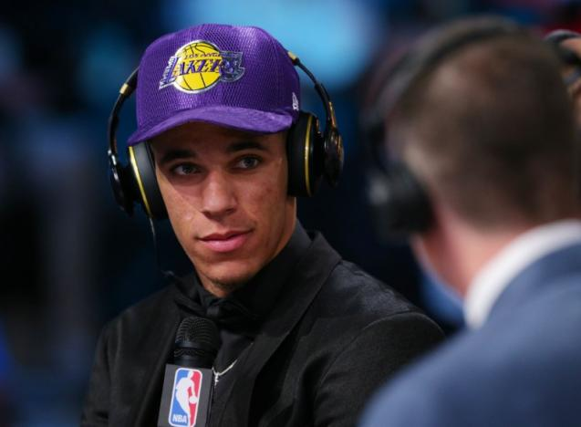 Lakers great Magic Johnson picks successor in Lonzo Ball