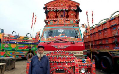 """""""Truck art"""" tradition trundles along in Pakistan"""