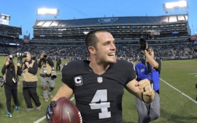 Raiders QB Carr signs five-year deal reportedly worth $125 million