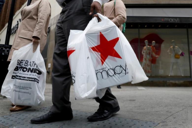 Jobs lift U.S. consumer confidence to near 16-year high