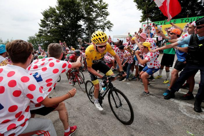 Cycling: Froome stays in control after action-packed ninth stage