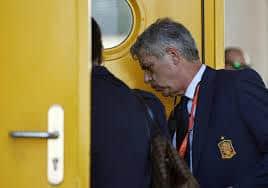 Spanish soccer federation's Villar arrested in graft investigation