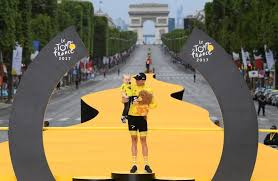 Tour de France champion Froome to race in 'vicious' Vuelta