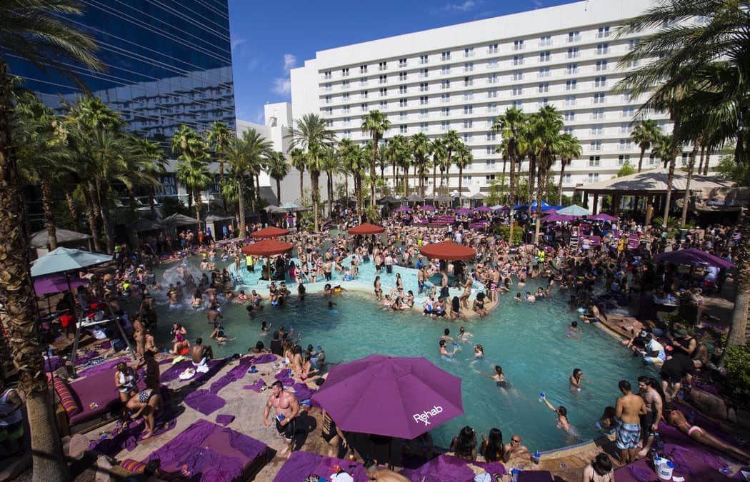 Parties still going strong in Las Vegas dayclubs