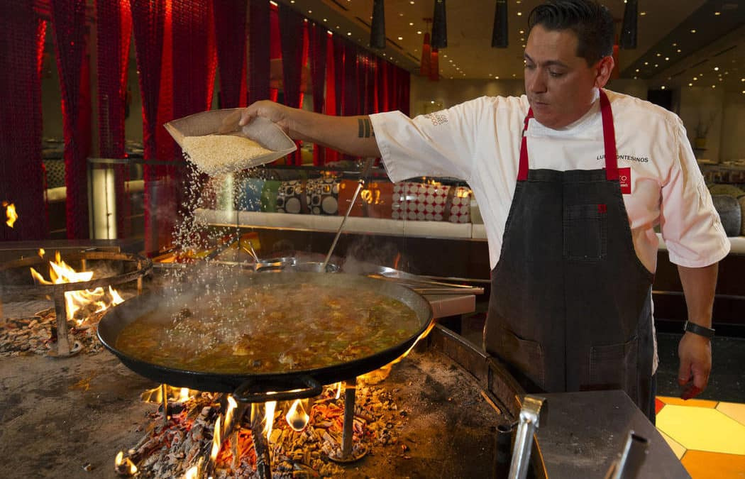 Las Vegas chefs share tips for making great paella at home
