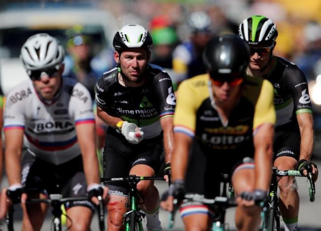 Banged-up Cavendish praises jury's courage for kicking Sagan out