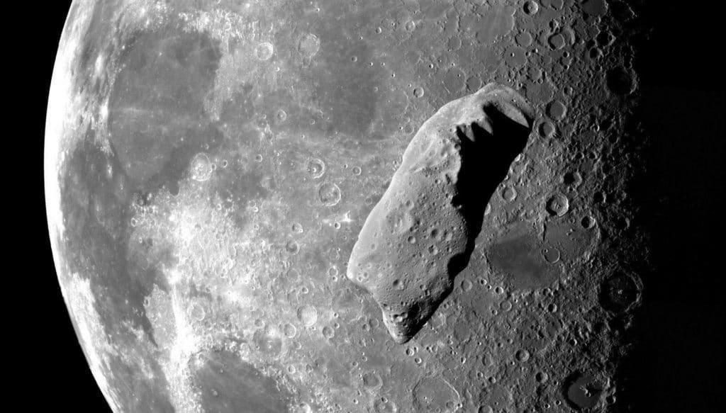 Risultati immagini per Massive Meteor Strikes Moon!