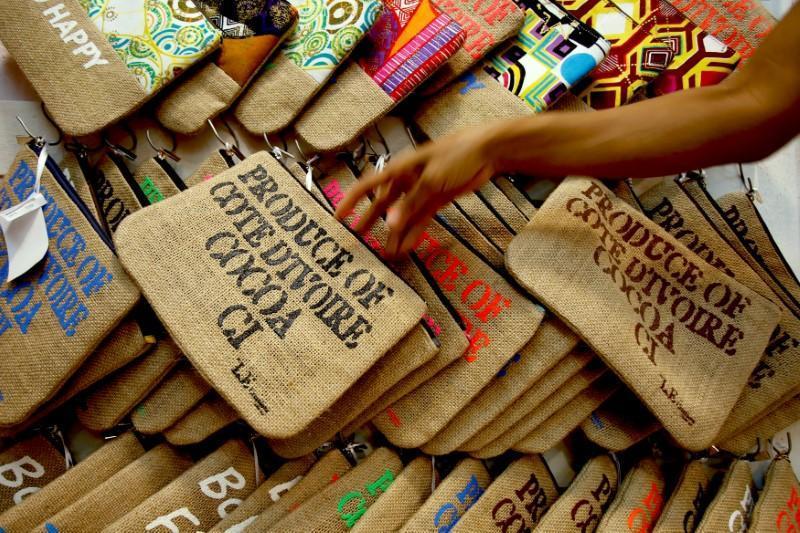 Humble sack turns into Ivory Coast fashion accessory