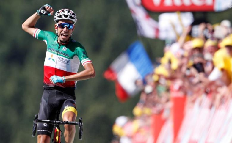 Cycling: Aru signals Tour ambitions as Froome takes yellow