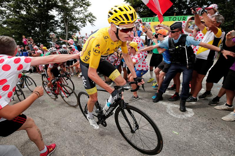 Cycling: Froome extends Vuelta lead in high mountains